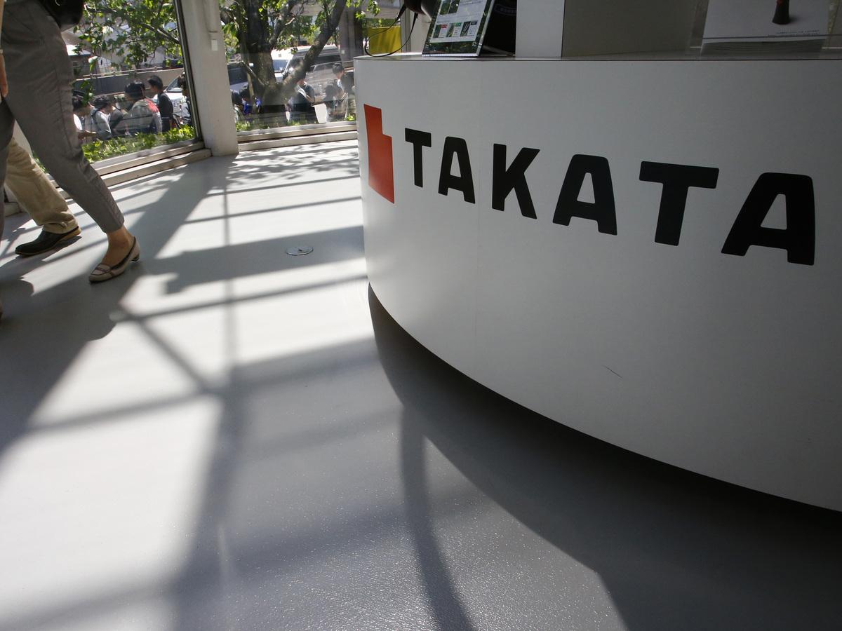 Auto Airbag Settlement >> Takata To Pay $1 Billion Over Air Bag Fraud; 3 Executives ...