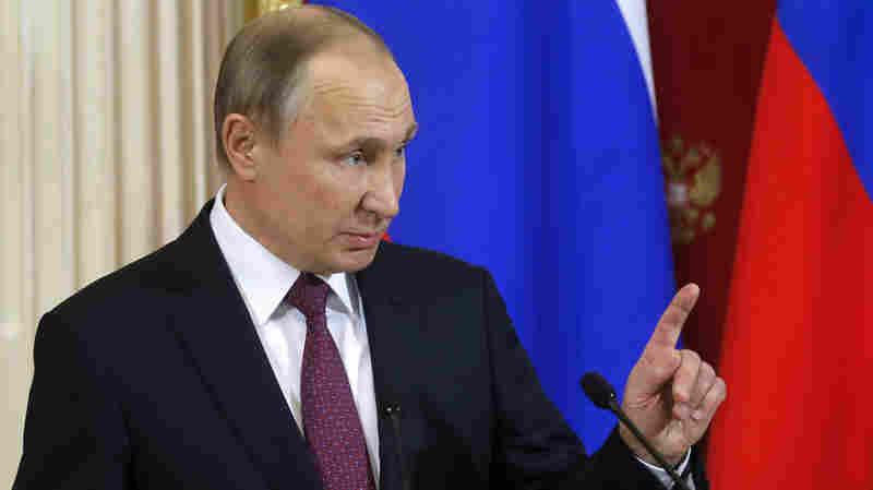 Putin Accuses Obama Administration Of Trying To Undermine Trump's Legitimacy