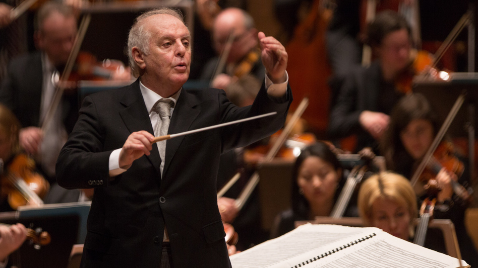 Daniel Barenboim conducts the Staatskapelle Berlin in the symphonies of Anton Bruckner. (Holger Kettner)