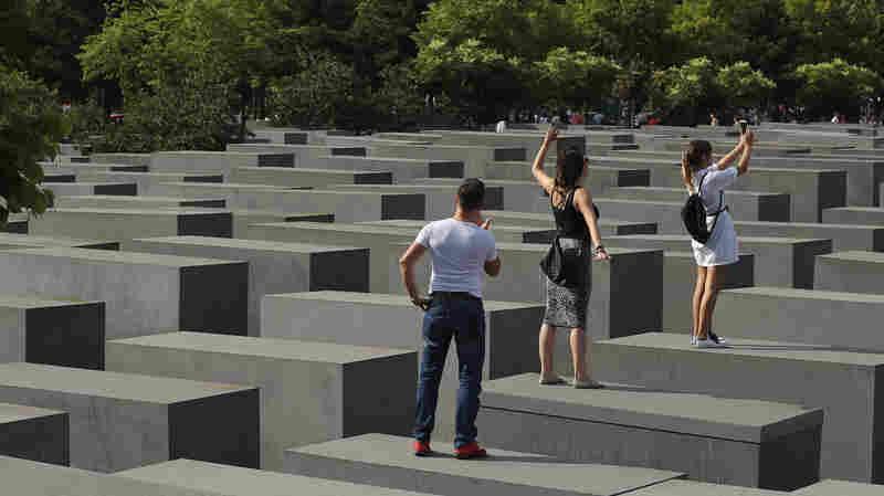 Satirist Takes Berlin Holocaust Memorial Selfie-Takers To Task