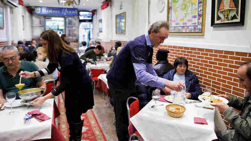 Spain's 'Robin Hood Restaurant' Charges The Rich And Feeds The Poor