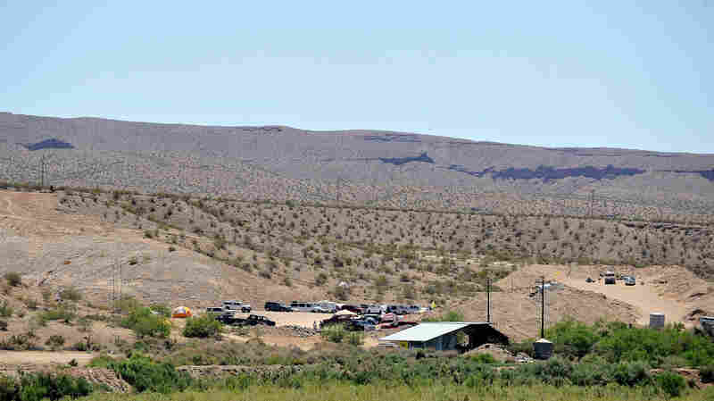 1st Trial Over Nevada Standoff Begins For Cliven Bundy Followers