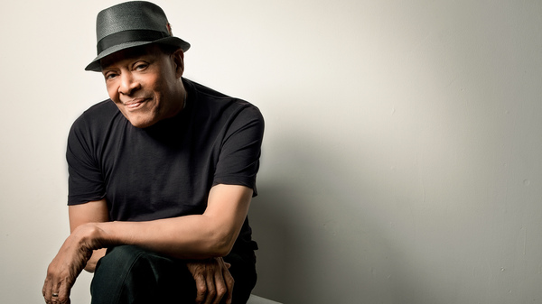 Versatile jazz artist Al Jarreau has died at 76.