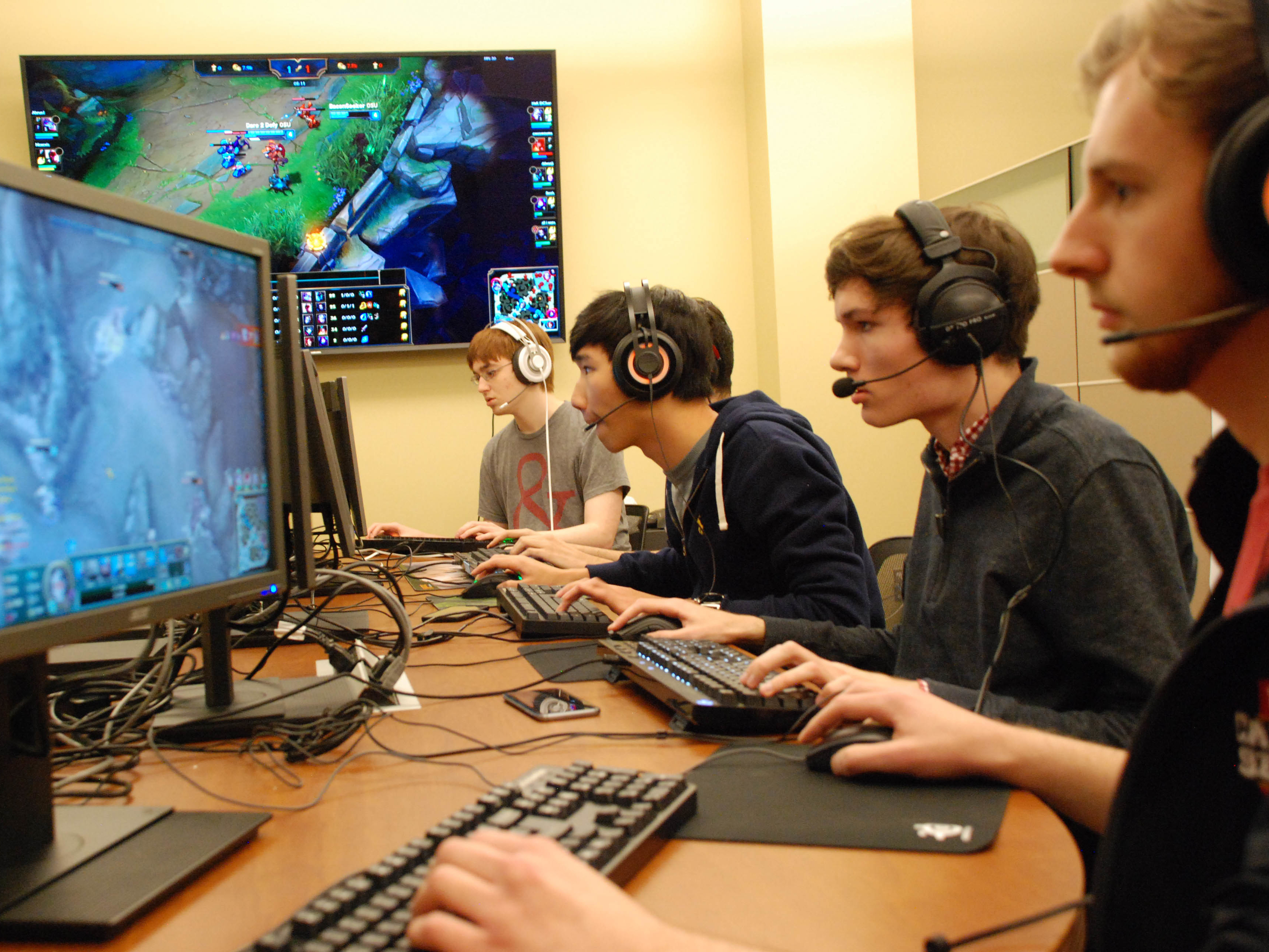 Go To College, Play Video Games. E-Sports Make A Play For The Big Ten