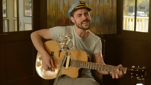 Watch Robert Ellis Perform 'Elephant' Live For Folk Alley