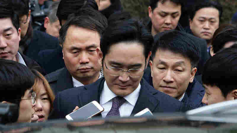 Samsung Chief Charged With Bribery And Embezzlement