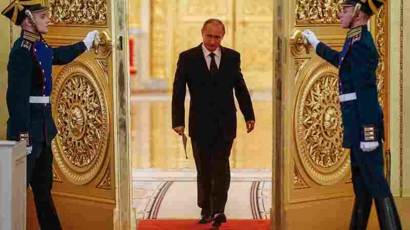 Sensing Chaos, Russia Takes A 'Wait-And-See' Approach To Trump