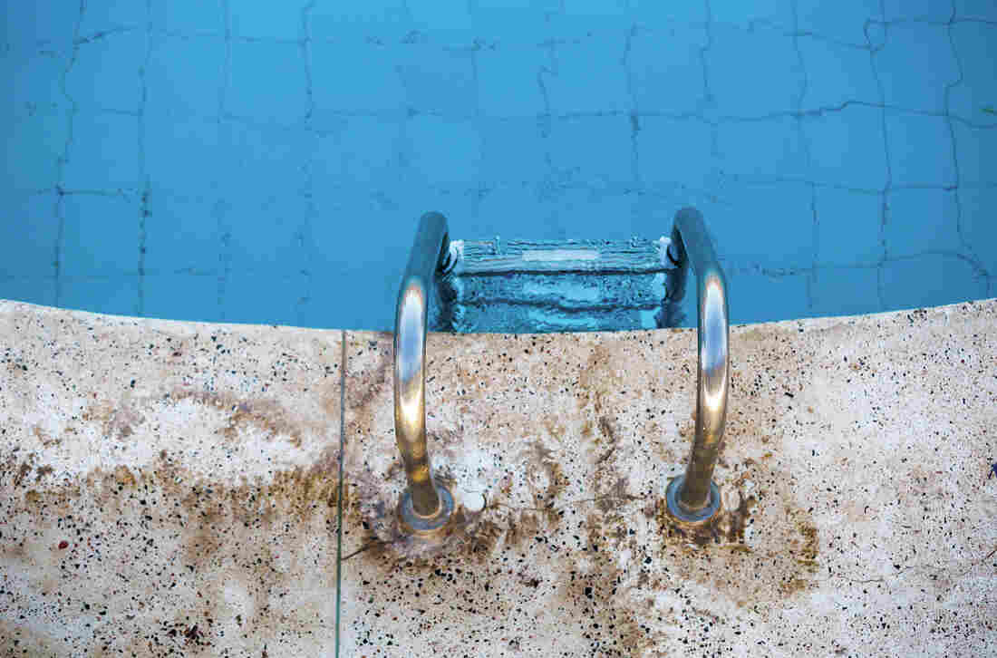 Study measures urine volume in swimming pools