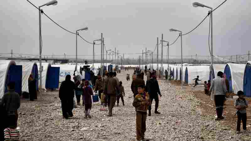 Civilians Flee As Iraqi Army Battles Remaining ISIS Fighters In Mosul
