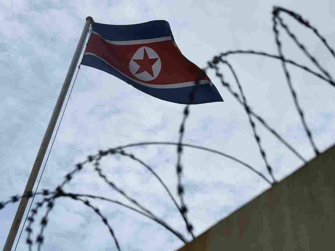 China urges U.S.  and North Korea to avert 'head-on collision'
