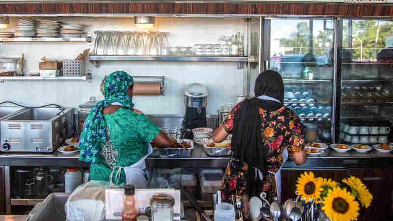 This Garden Connects Bangladeshi Women With Restaurants — And Each Other