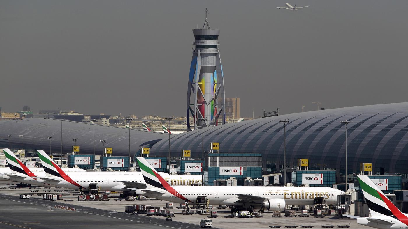 US and UK ban cabin laptops on some inbound flights