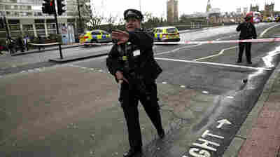 Attacker In London Kills 4, Injures 40 Before Being Shot Dead Near Parliament