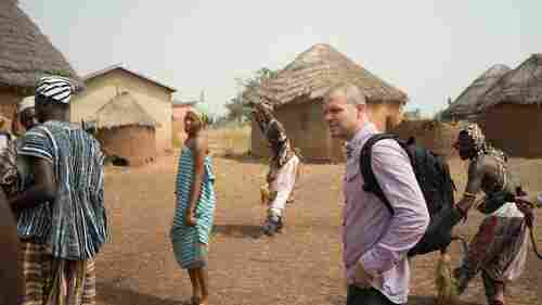 Residente Journeys Across The World — And Finds Himself Everywhere