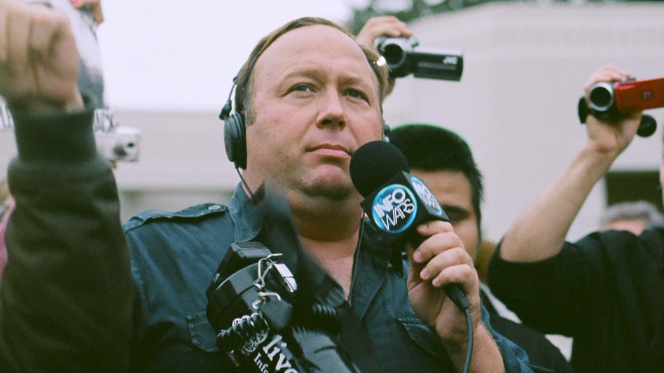 Alex Jones at a protest in Dallas in 2014. (Flickr user Sean P. Anderson/Flickr Creative Commons)