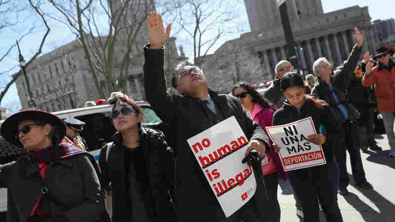 'Sanctuary Cities' Promise Legal Fight After Sessions Threatens Funds