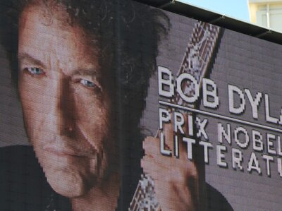 Where Bob Dylan Was While Keeping Silent About His Nobel Prize