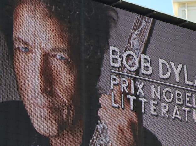 Bob Dylan, who announced he would accept in person the Nobel Prize for Literature, was silent after it was announced he would receive the prize.