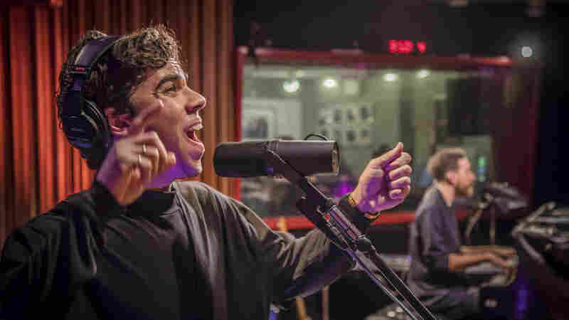 Watch Electric Guest Perform 'Dear To Me' Live In The Studio