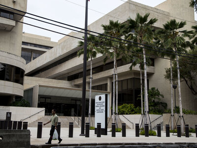Federal Judge In Hawaii Extends His Block On Trump Travel Ban