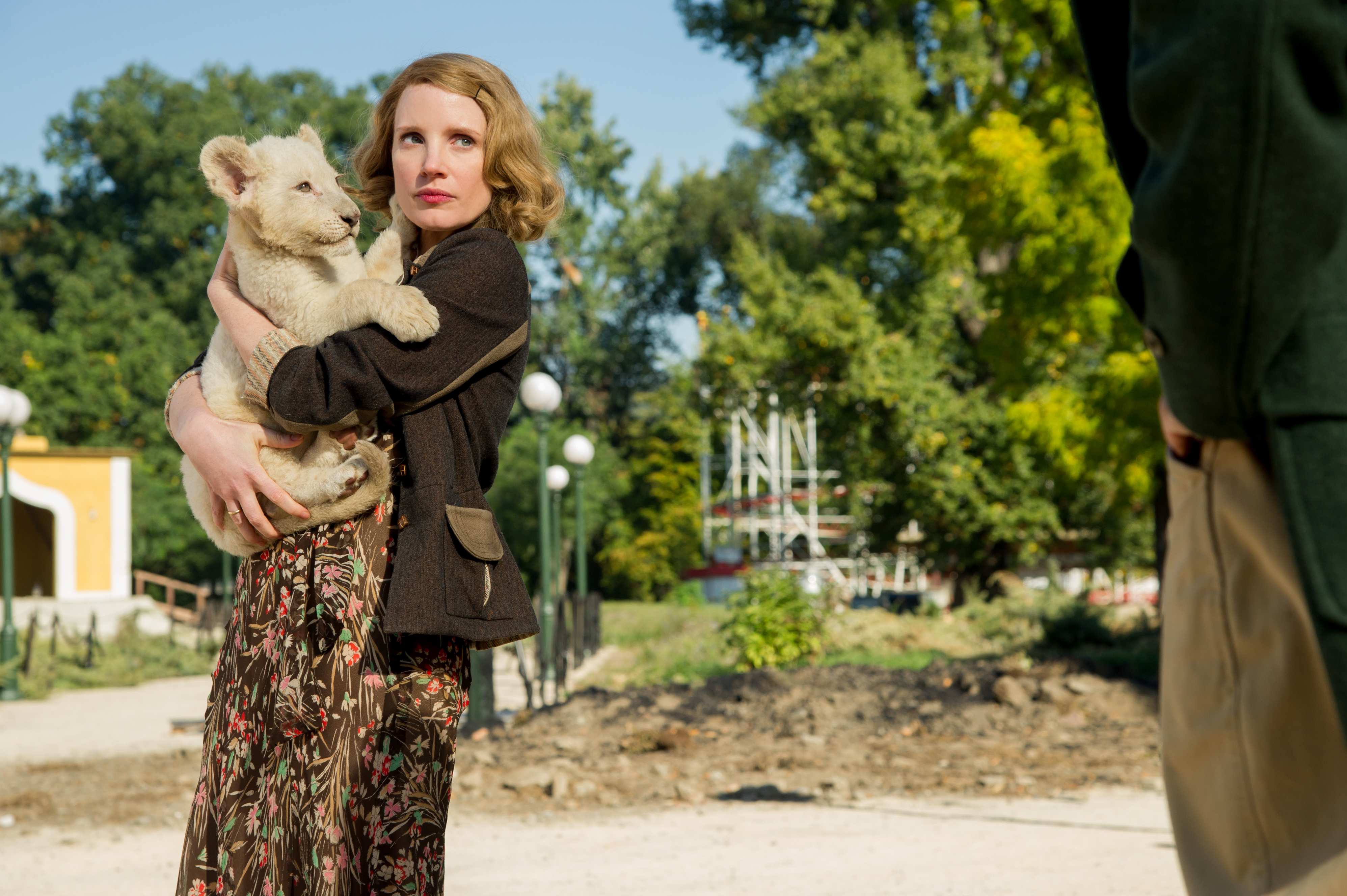 'Femininity Is Not Weakness,' Jessica Chastain Says Of 'Zookeeper's Wife'