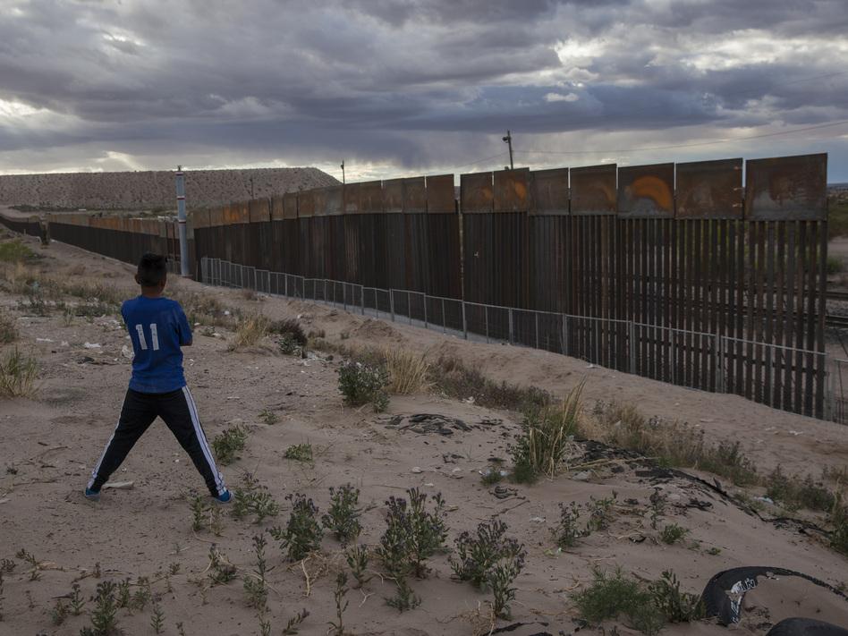 Bidding Closes For Building Trump S Border Wall Capradio Org