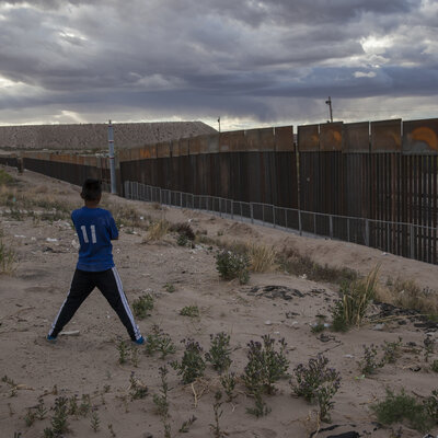 6 foot privacy wall photos the many proposals for president donald trumps border