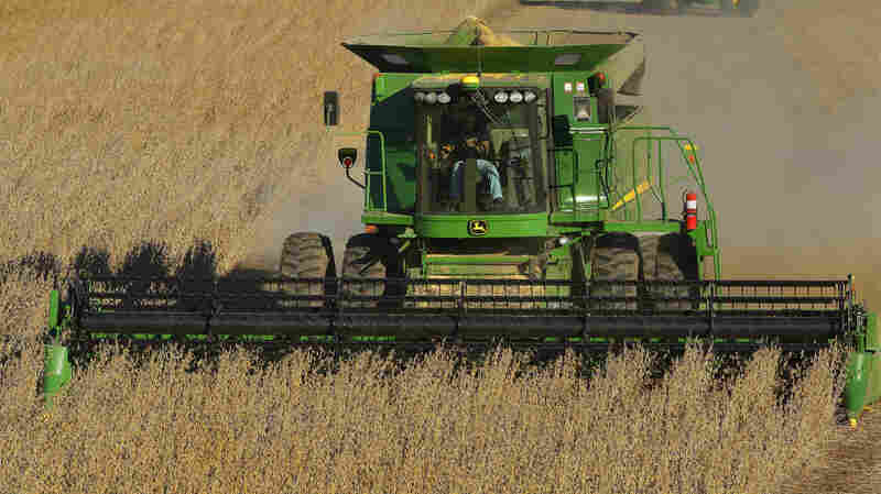 Farmers Look For Ways To Circumvent Tractor Software Locks
