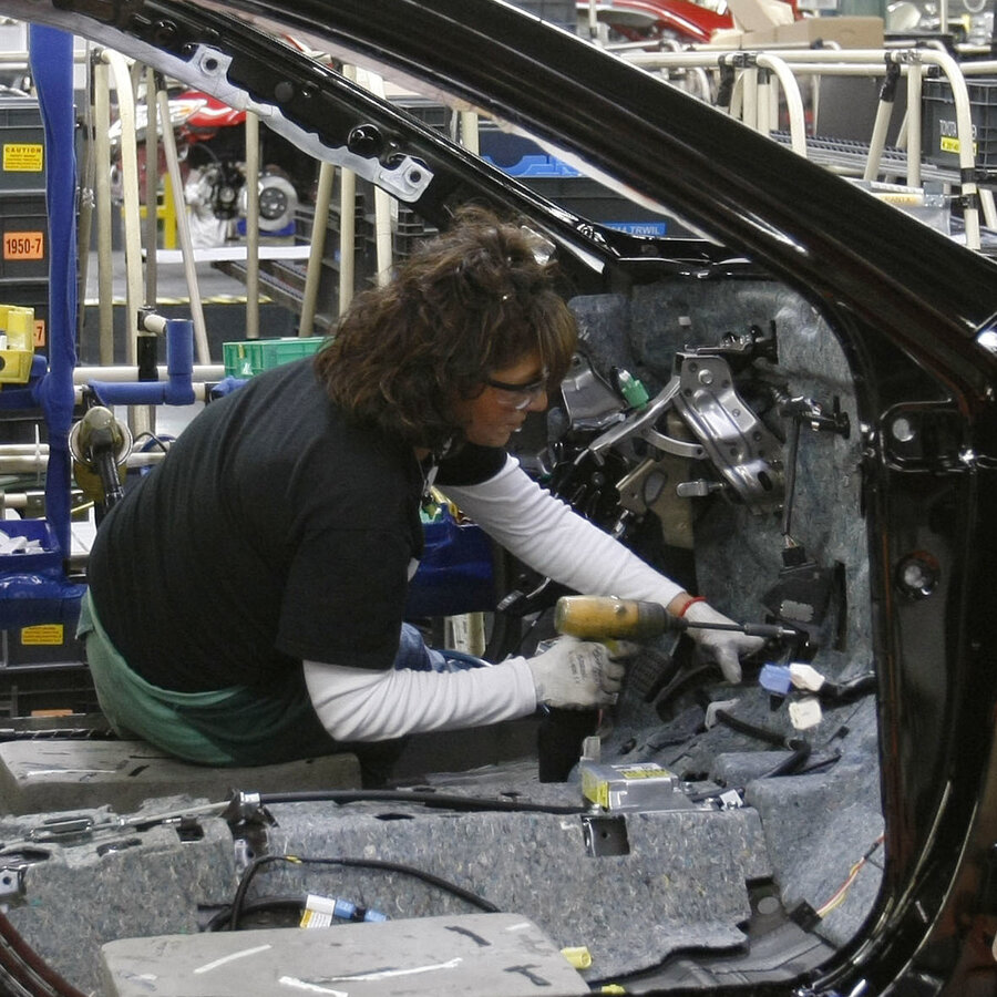The two way toyota plans 1 3 billion investment in kentucky plant