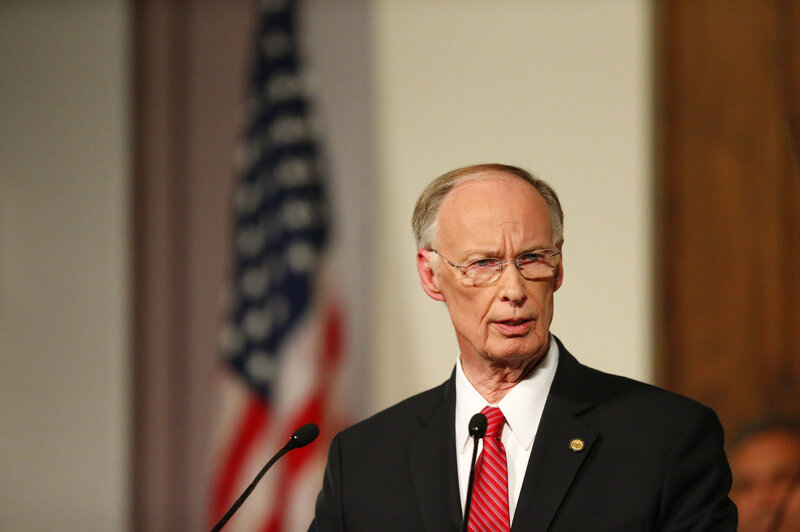 gov. robert bentley of alabama resigns amid scandal over alleged