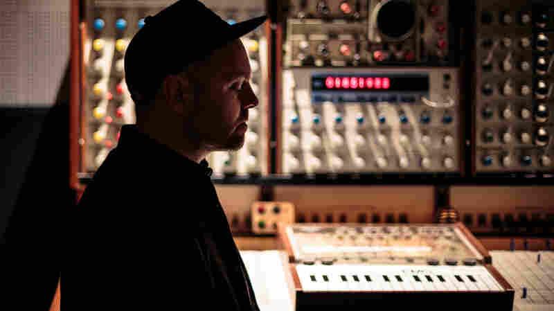 DJ Shadow Debuts New KCRW Show