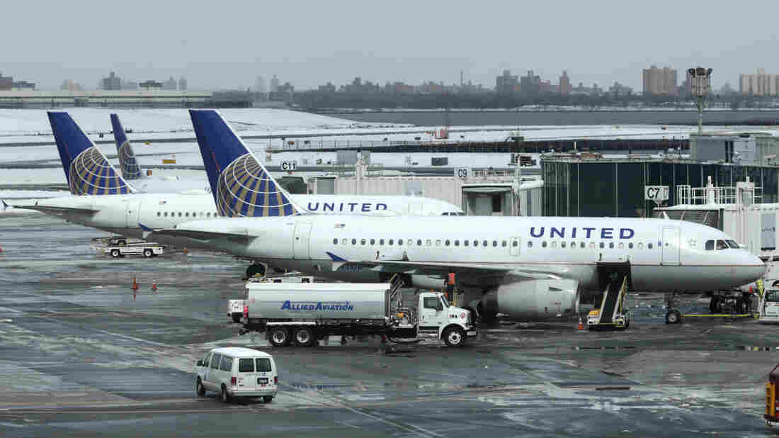 United Airlines will not use police to remove overbooked passengers