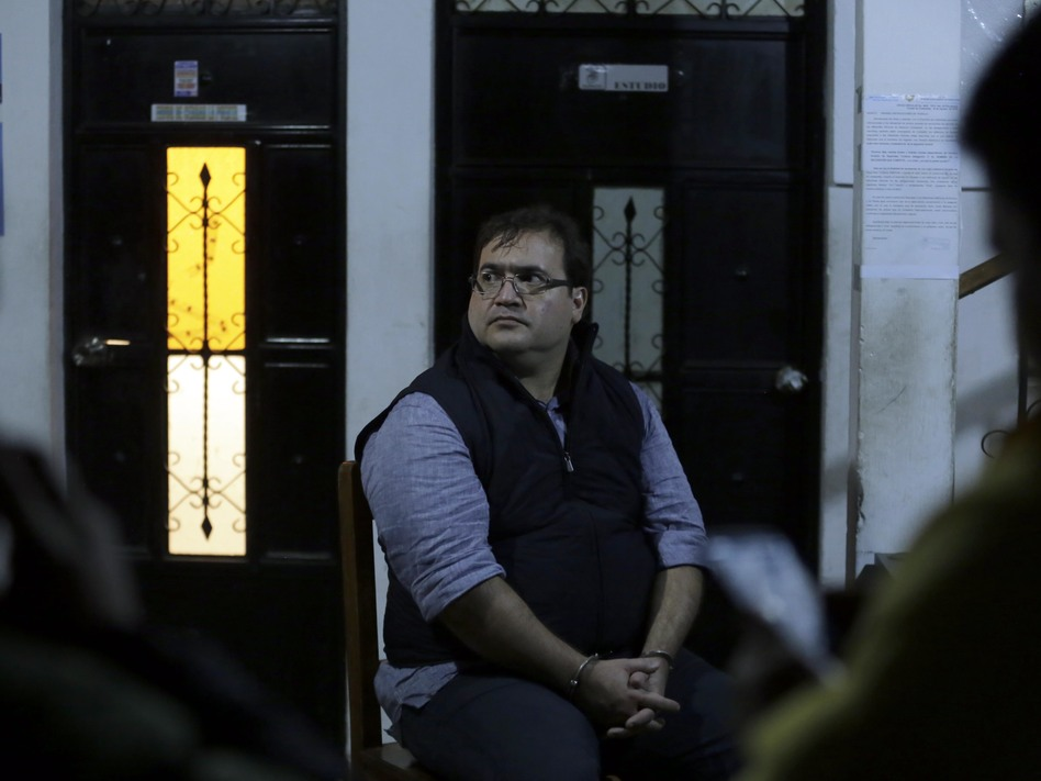 Javier Duarte, the former governor of the Mexican state of Veracruz, sits handcuffed following his arrest in Panajache, Guatemala, on Saturday. (AFP/Getty Images)