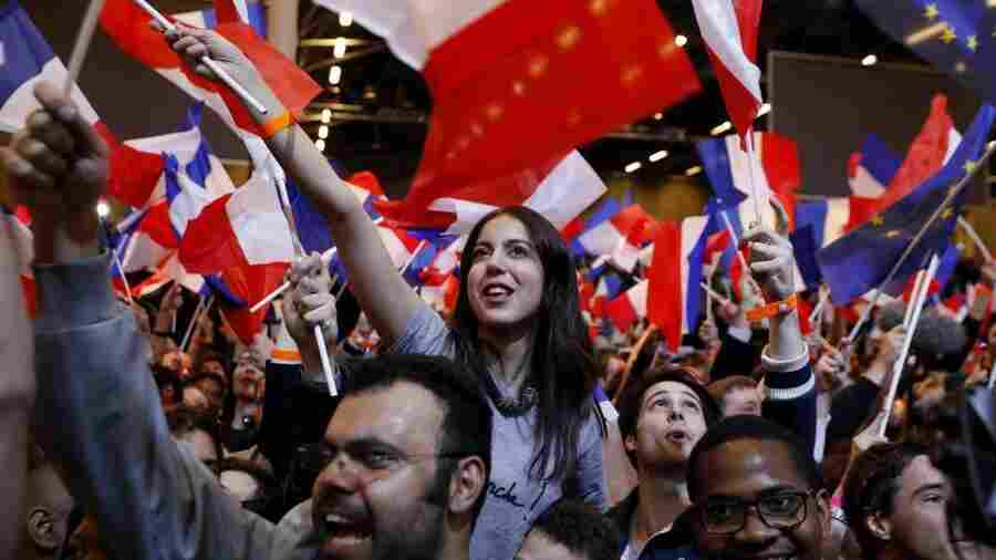 French Voters Shun Political Parties, Sending Macron, Le Pen To Presidential Runoff