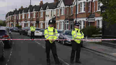 British Counterterrorism Police Shoot A Woman And Arrest 6 Suspects