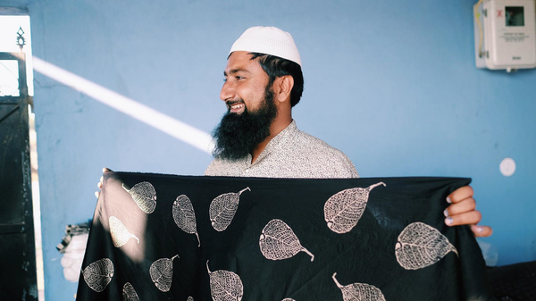 """Sufiyan Khatri learned to make the dyes for the block-print textiles from his grandfather. But he likes to experiment with color and design: """"Whenever I get the time, I do some innovation in our work."""""""