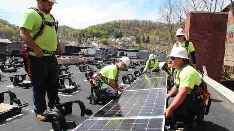 As Coal Jobs Decline, Solar Sector Shines