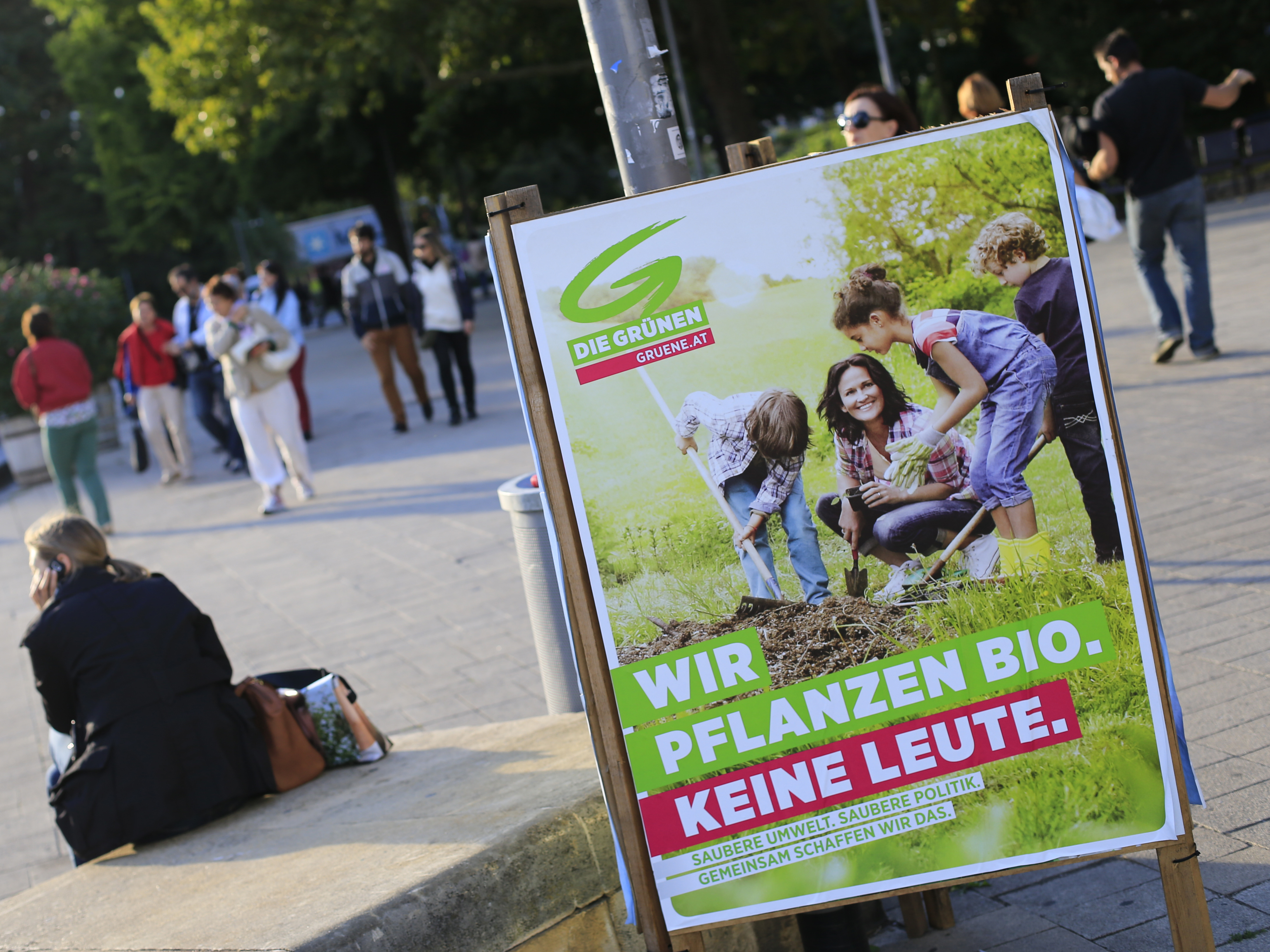 Austrian court: Facebook must delete hate postings worldwide