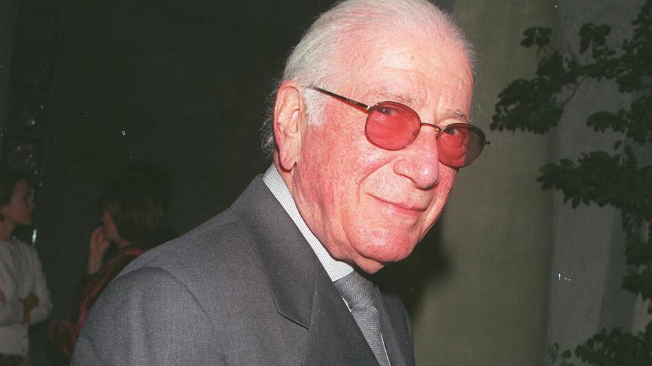 Composer Jerry Goldsmith, shown in 2000, wrote the scores for more than 200 films over a 50-year career. (David Keeler/Getty Images)