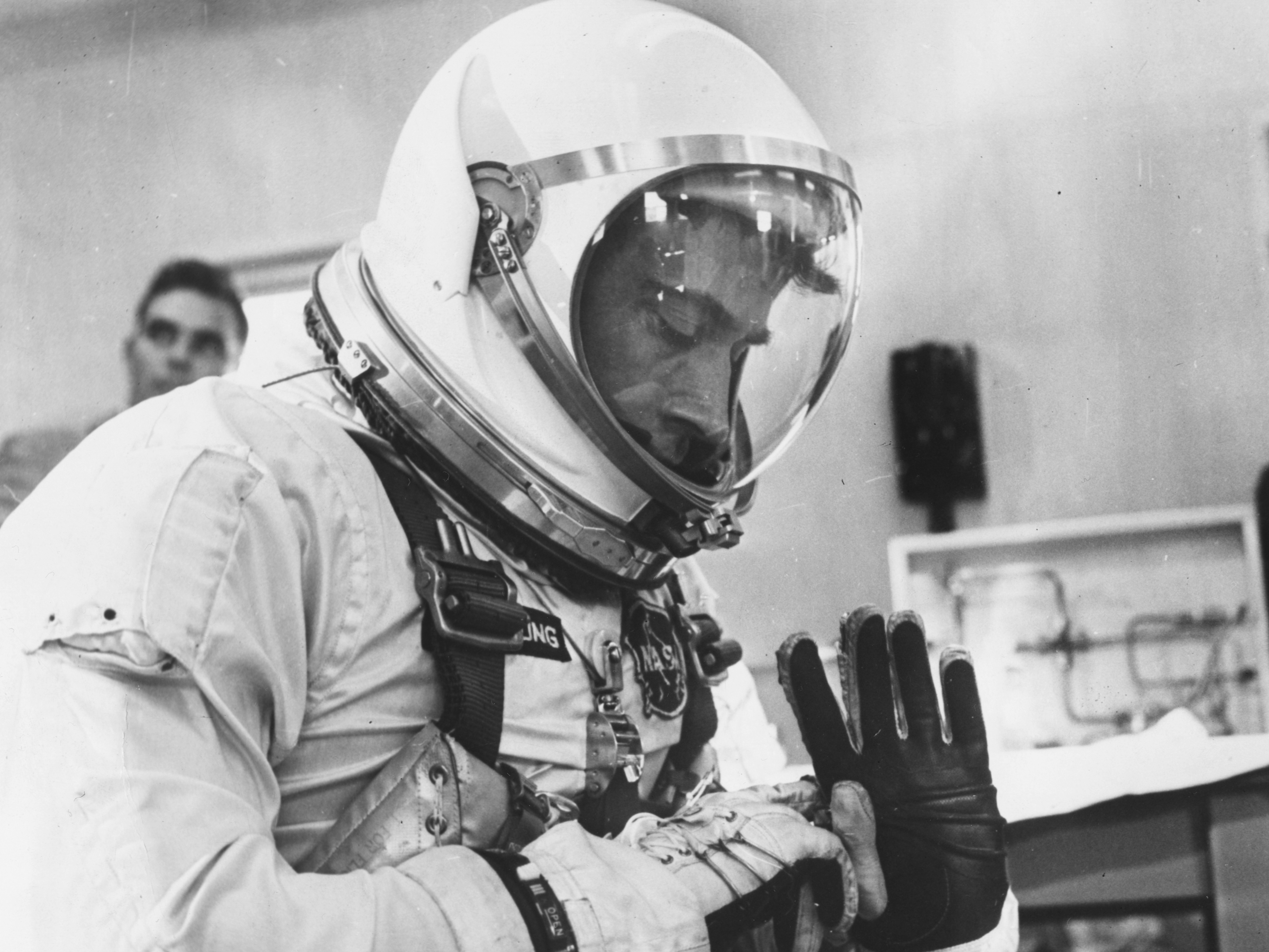 astronauts who died in 2017 - photo #17
