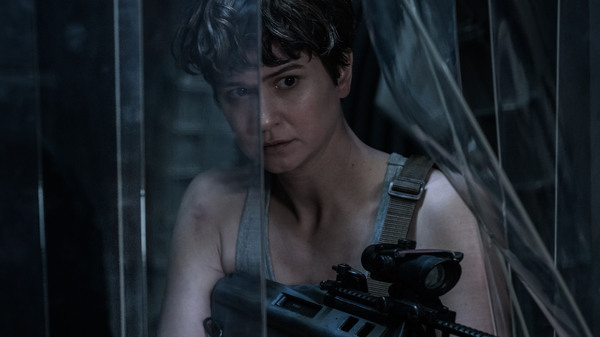 Katherine Waterston as Daniels in Alien: Covenant.