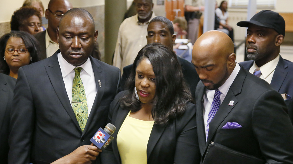 """""""Betty Shelby murdered my brother,"""" Tiffany Crutcher, center, said after officer Shelby was acquitted in the death of Terence Crutcher. (Sue Ogrocki/AP)"""