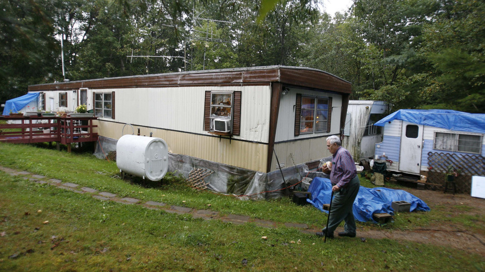 Bill Ricker, 74, of Hartford, Maine relies on food stamps and food donations from a local food pantry. (Robert F. Bukaty/AP)