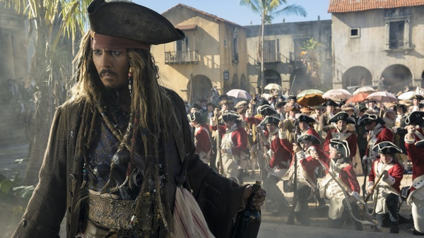 Johnny Depp is unencumbered by any narrative responsibility in Pirates Of The Caribbean: Dead Men Tell No Tales.