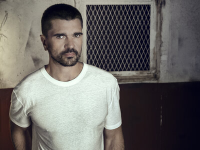 A Rock Star In Space: Juanes Seeks The Universal On 'Mis Planes Son Amarte'