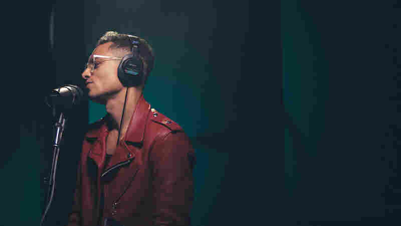Watch José James Perform 'Closer' Live In The Studio
