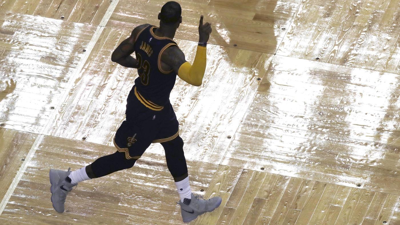 Michael Jordan : NPR