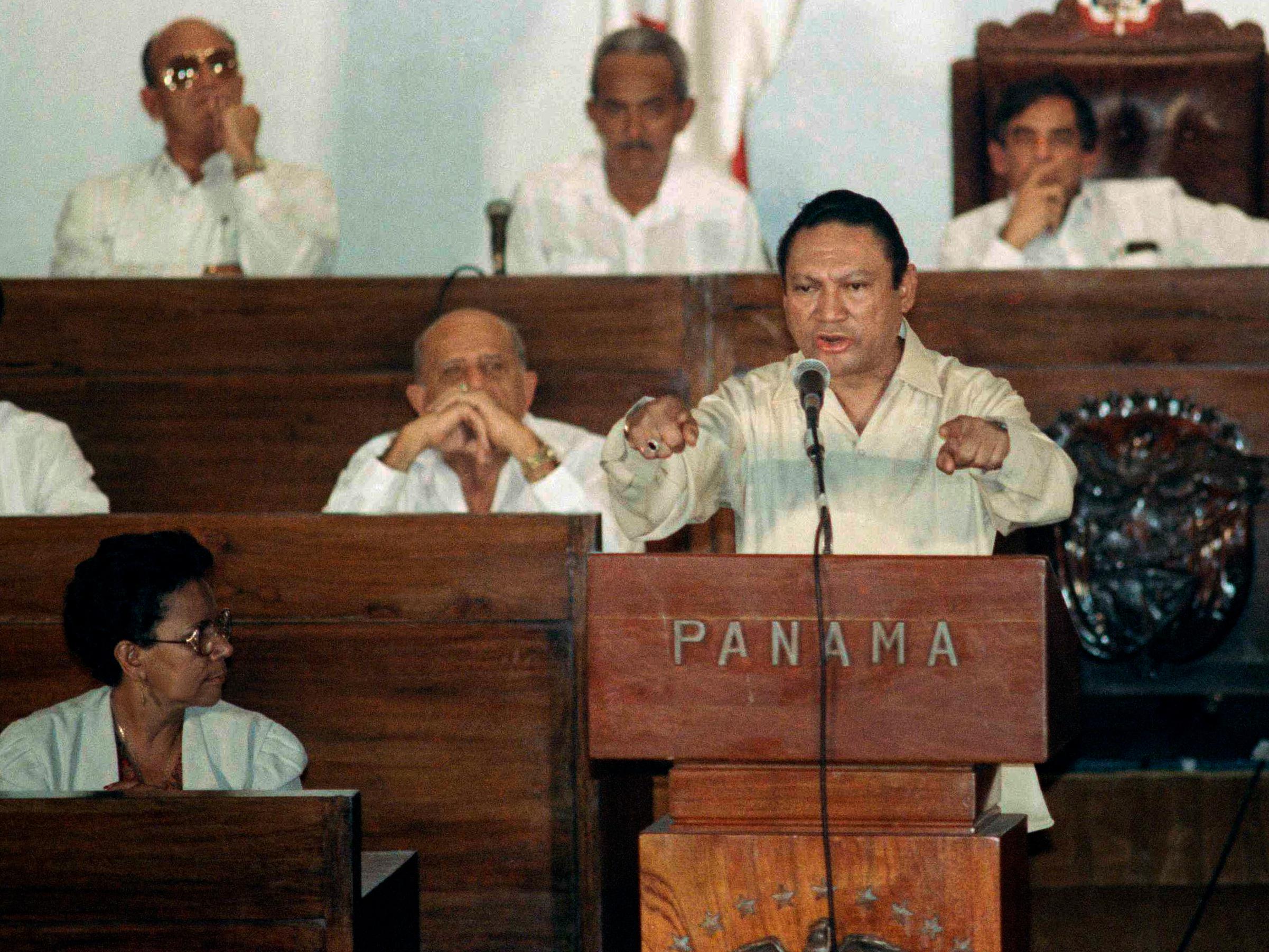 Former Panamanian leader Gen. Manuel Noriega delivers a speech in Panama City on Oct. 11, 1989. (Matias Recart/AP)