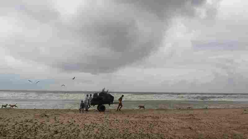 Cyclone Hits Bangladesh, Destroying Huts Sheltering Rohingya Refugees