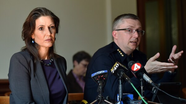 Oakland Mayor Libby Schaaf and then-Police Chief Sean Whent in May 2015. Whent resigned in June 2016 amid fallout from a scandal involving officers having sex with an underage prostitute. The city will pay a settlement of nearly $1 million to the young woman.